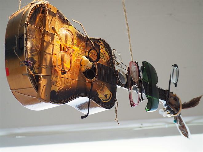 Little Guitars / Old Glasses 05